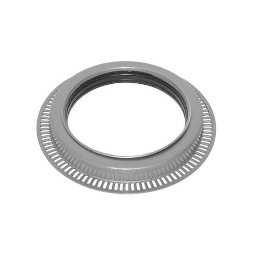 Oil seal, wheel hub