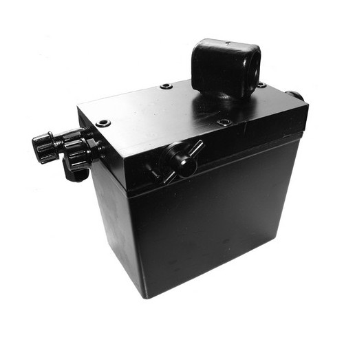 Hydraulic hand pump for cabin